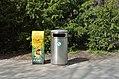 PET preferred waste containers, Schönbrunn.jpg