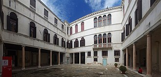 Palazzo Grimani di Santa Maria Formosa - Courtyard