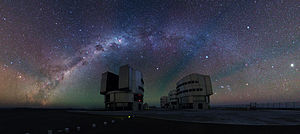 Airglow - Image: Panoramic shot of the VLT platform