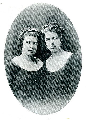 Christine and Léa Papin - Léa (left) and Christine Papin