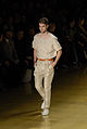 Para os homens, os tons também são básicos @ São Paulo Fashion Week em Junho de 2011.jpg