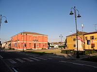 Piazza Guglielmo Marconi (Bagnolo di Po).jpg