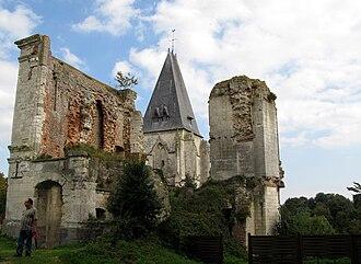 Picquigny - Image: Picquigny château et église 1
