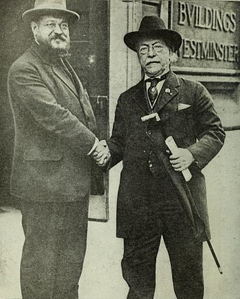 Samuel Gompers (right) with Albert Thomas, 1918 Picture of Samuel Gompers.jpg