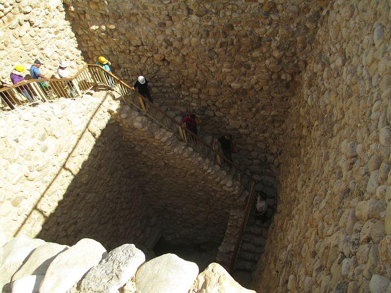 הירידה למאגר המים בתל באר שבע