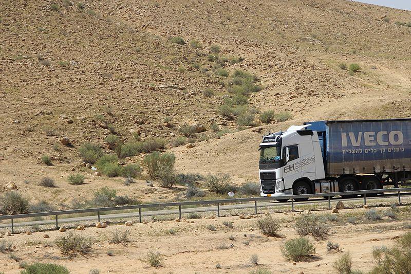 משאית במדבר