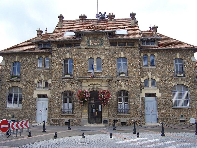 Ancienne mairie de Plaisir (Yvelines, France)