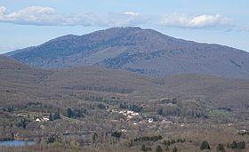 La Planche des Belles Filles (face ouest) vue depuis Ronchamp.