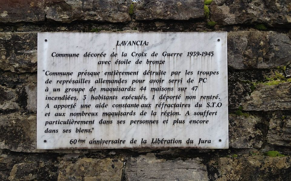 Plaque à Lavancia ; village martyr.