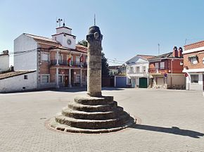 Plaza Mayor, Montesclaros.JPG
