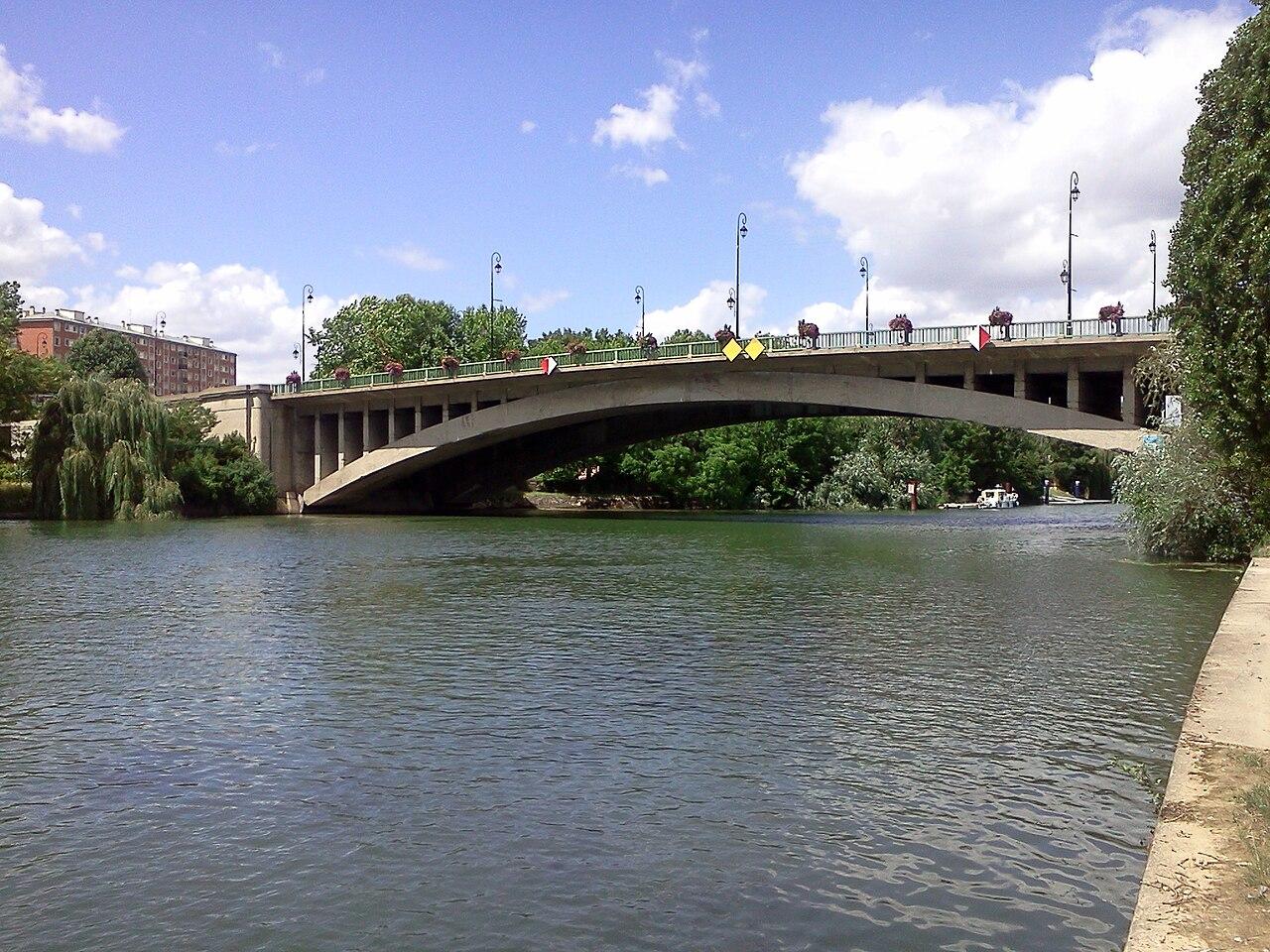 A ponte de Joinville-le-Pont.
