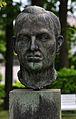 Porträtbüste Richard Assmann, Graal-Müritz.jpg