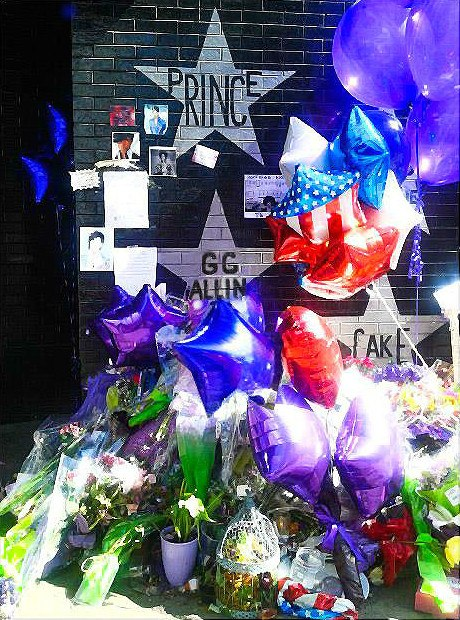 Prince memorial @ First Ave 2016