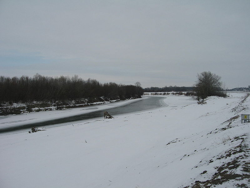 File:Prut River in Winter1.jpg