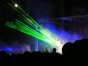 Jean Michel Jarre podczas koncertu Przestrzeń_...