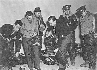 RAF Bovingdon - American military journalists undergoing combat flight training for bombing missions in 1943. Left to right: Gladwin Hill, William Wade, Robert Post, Walter Cronkite, Homer Bigart, and Paul Manning.