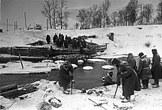 RIAN archive 382 Soviet soldiers looking for mines after the liberation of Naro-Fominsk.jpg