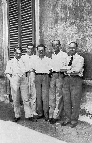 Emilio Segrè - The Via Panisperna boys in the courtyard of Rome University's Physics Institute in Via Panisperna. Left to right: Oscar D'Agostino, Segrè, Edoardo Amaldi, Franco Rasetti and Enrico Fermi.