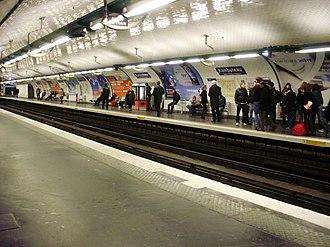 Rambuteau (Paris Métro) - Image: Rambuteau métro 02