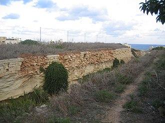 Della Grazie Battery - Image: Rear ditch