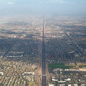 Roads and freeways in metropolitan Phoenix - View east along US 60, Mesa