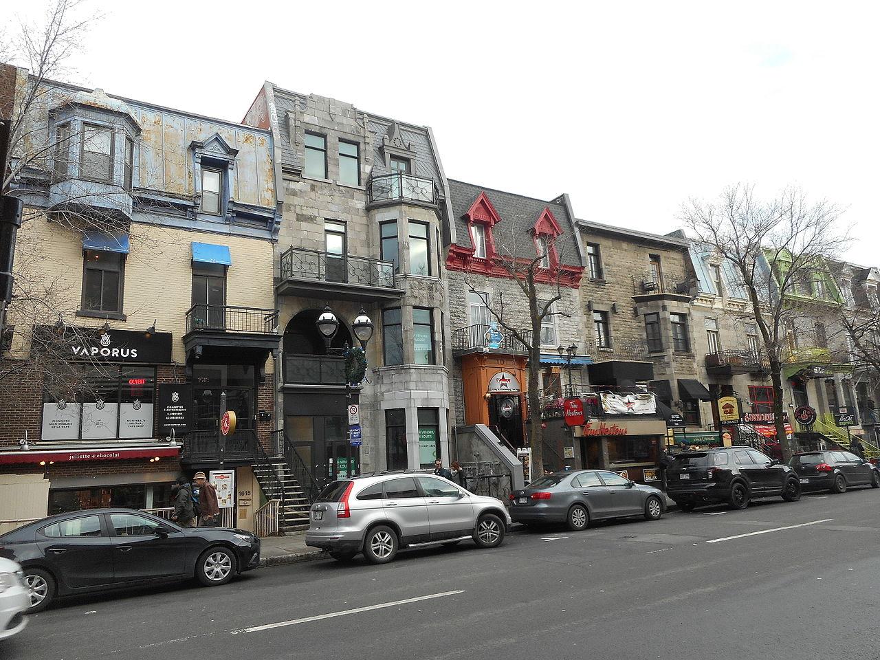 File rue saint denis montreal wikimedia commons for Meubles montreal st denis