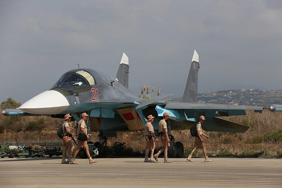 Russian Sukhoi Su-34 at Latakia (1)