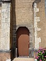 Saint-Just-d'Avray - Église - Entrée gauche.JPG