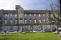 Saint Étienne-Hôpital de La Charité-Cour Intérieure-20110406.jpg