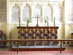 English: Sanctuary, Church of the Holy Trinity...
