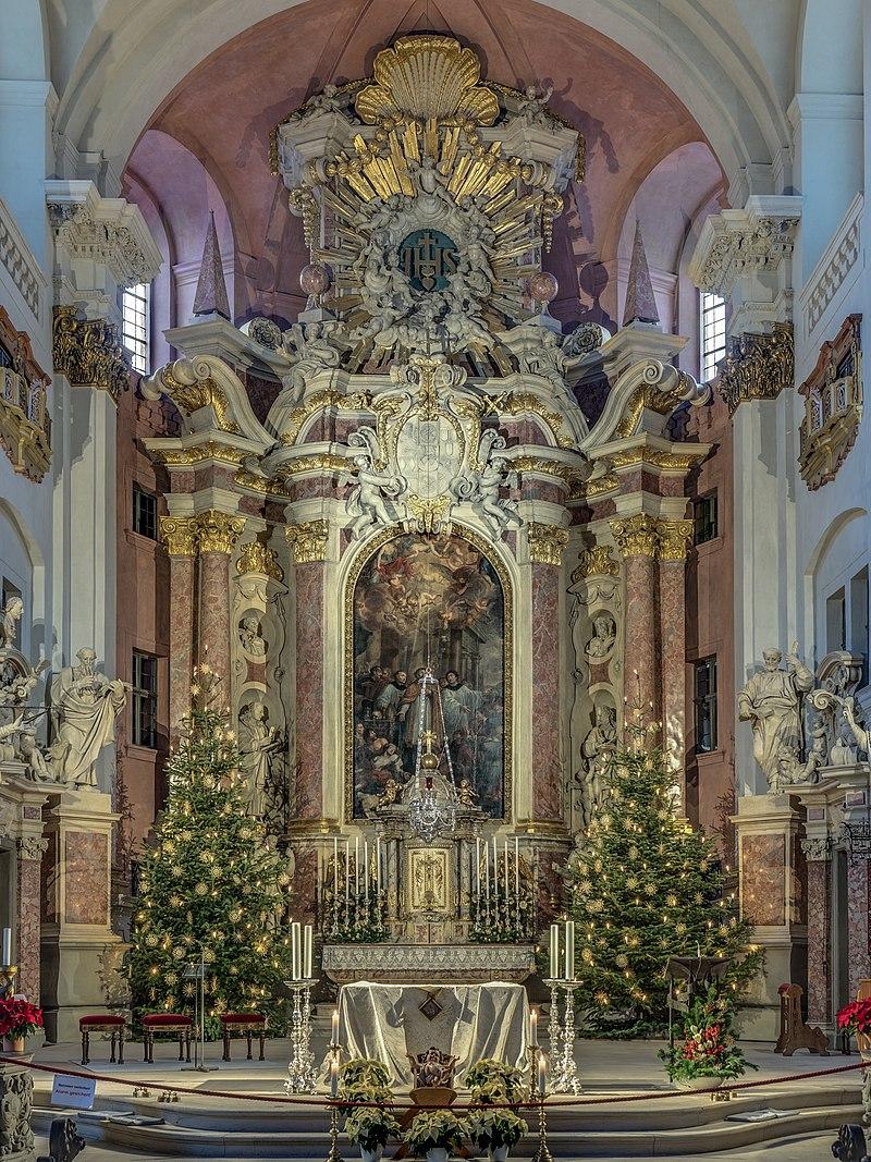 Le chœur de l'église Saint-Martin de Bamberg (Bavière, Allemagne).  (définition réelle 3330×4440)