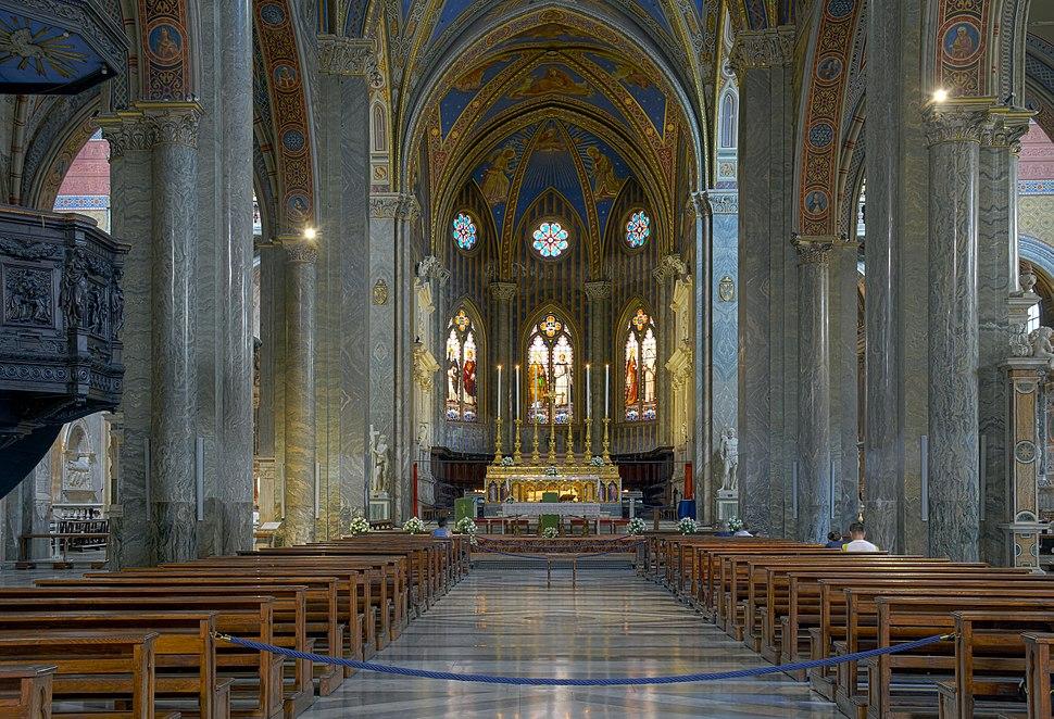 Santa Maria sopra Minerva (Rome) - Inside HDR