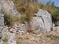 Santuario di Monte Sant'Angelo. Campo trincerato - Mura perimetrali 5 (part. muro che segue orografia del luogo).JPG