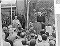 Schiphol 30 jaar onthulling borstbeeld Dr. Plesman, Bestanddeelnr 903-9690.jpg