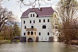 Schloss Freisaal from north 02.jpg