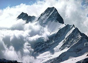 Schreckhorn in the clouds.jpg