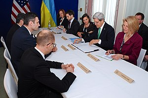 Victoria Nuland - John Kerry and Victoria Nuland with Ukrainian opposition leaders Poroshenko, Yatsenyuk and Klitschko,  Munich, February 1, 2014