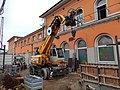 Sennebogen Kran der Firma Kassecker im Bahnhof Passau.jpg