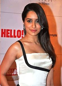 Shraddha Kapoor at Hello! Hall of Fame award.jpg