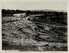 Sommer, Giorgio (1834-1914) - n. 1382 bis - Teatro greco di Siracusa.jpg