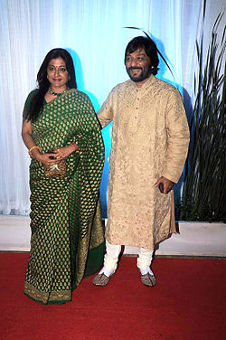 Sonali Rathod, Roop Kumar Rathod at Esha Deol's wedding reception 20.jpg