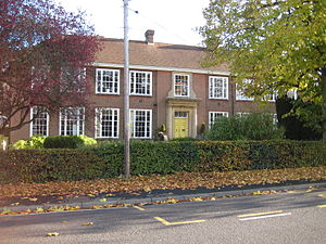 South Farnham School - Image: South Farnham School
