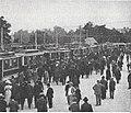 Städtische Straßenbahnen Wien 1903–1913 (page 45 crop) – Einsteigstelle am Rennplatz in der Freudenau.jpg