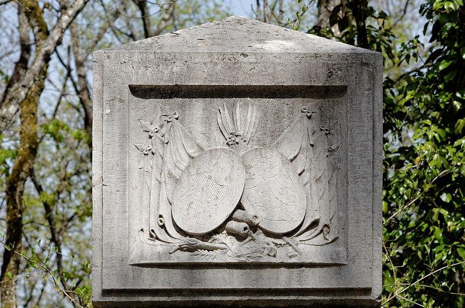 Détail de la stèle à la Mémoire du Général Josef BOSSAK-HAUKE, au lieu dit Bois des Chênes à Hauteville-lès-Dijon, près de la D971.