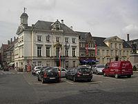 Stadhuis Zottegem.jpg