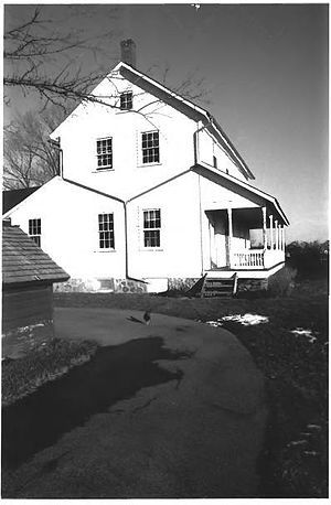 Stahly–Nissley–Kuhns Farm - Farmhouse on the Stahly–Nissley–Kuhns Farm, Amish Acres, Nappanee, Indiana