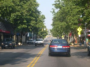 Bristol, Tennessee - State Street separates Virginia (left) and Tennessee (right).