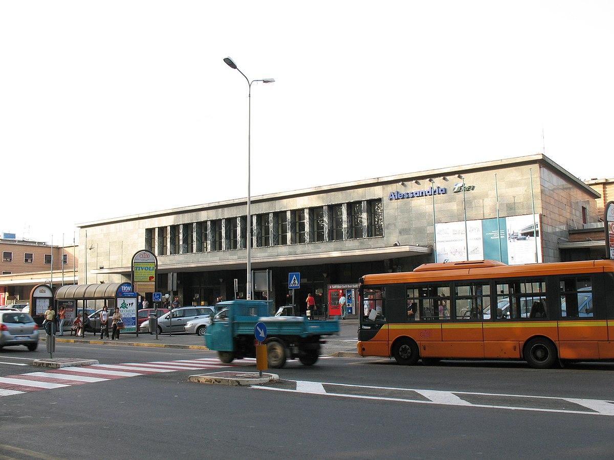Alessandria railway station - Wikipedia