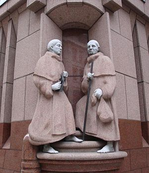 Crutched Friars - Statue of two Crutched Friars in London