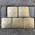 Stolpersteine für die ehemaligen Bewohner des Hauses Aegidiendamm 8 in Hannover.jpg